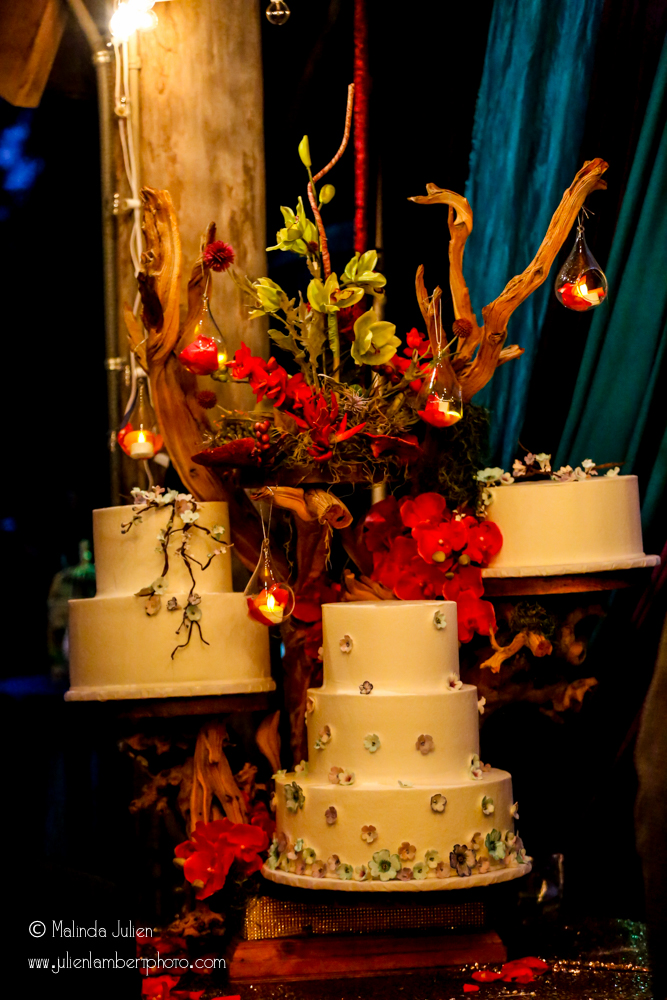 Cake by Creme Dela Creme Photo by Julien Lambert Photography