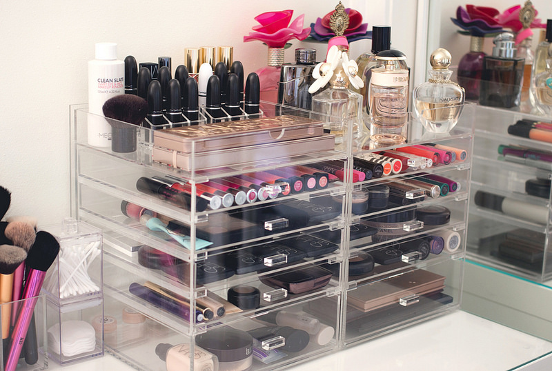 Edit your precious down to the everyday pieces. When you got the ones you simply can't live without, organize them into these stackable display boxes. Bonus: Just like your brushes, they can now live on the bathroom counter, making it way easier to find what you need and put it away when you're done.