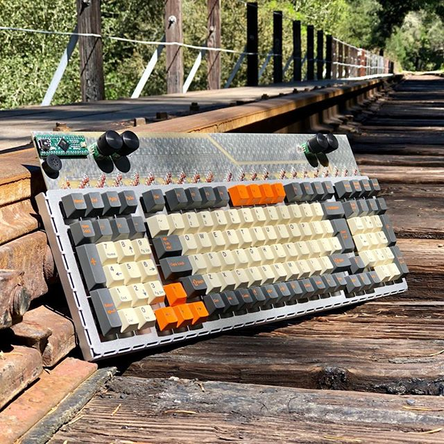 Available until midnight PDT, the Clueboard 2x1800 has all the keys you need and 4 rotary encoders for that retro drawing toy experience. Join the Group Buy at clueboard.co #mechanicalkeyboards #yesyoucanactuallybuyit
