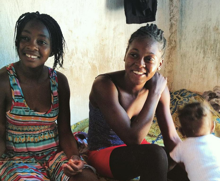 In 2015 Michana (R) was living in the D.R. with her infant son. They were deported spontaneously and had no relations to help them on the Haiti side of the border. Miatrice (L) saw her crying on the side of the road and convinced her parents, who already had 8 people living in their home, to take them in. Terre Froide. Ted Barlow/Operation Blessing