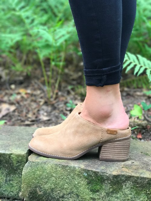 Leila Mule TOMS HOWCbAWio2