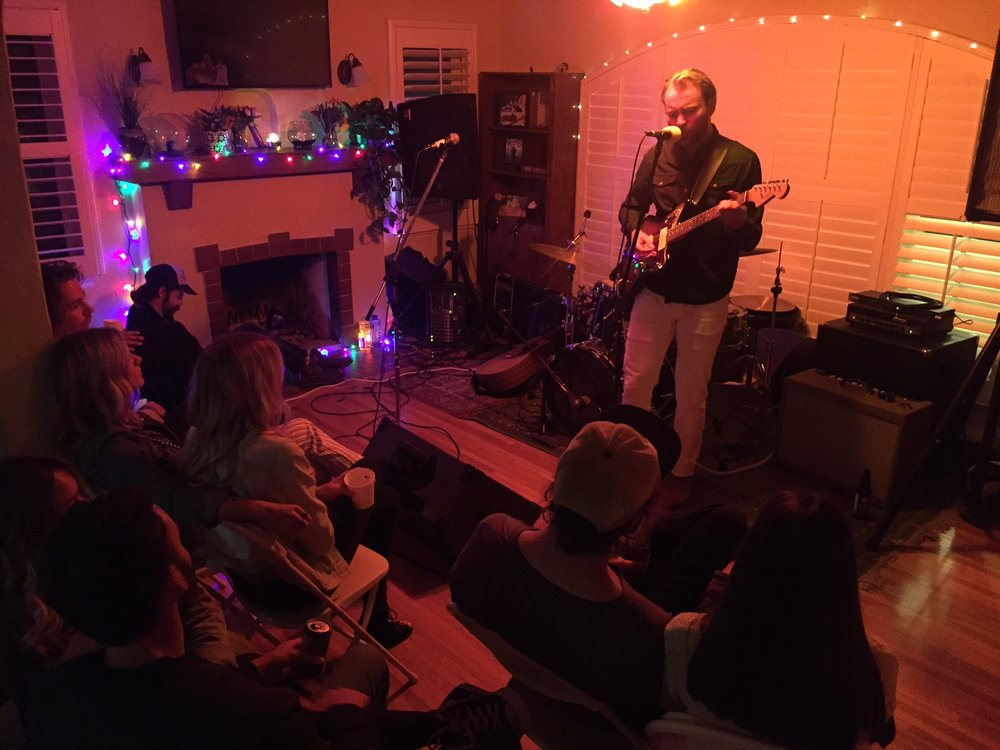 Sean Fleming performing live for the patrons, Photo - Roxane June