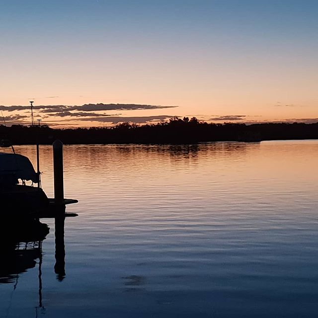 My happy place - twilight in a marina somewhere! No matter what you have been doing all day sailing or just maintenance (which old boats need a lot of love) twilight is a time to chill in the peace and tranquility. Enjoy your weekends all xx