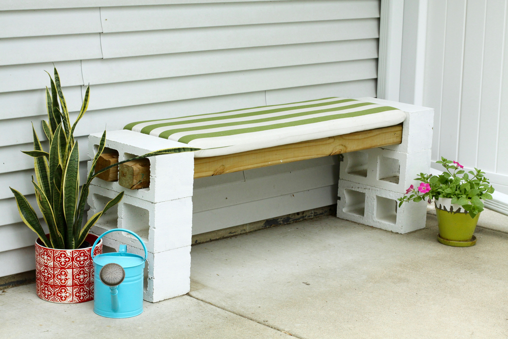 Easy DIY Outdoor Cinder Block Bench