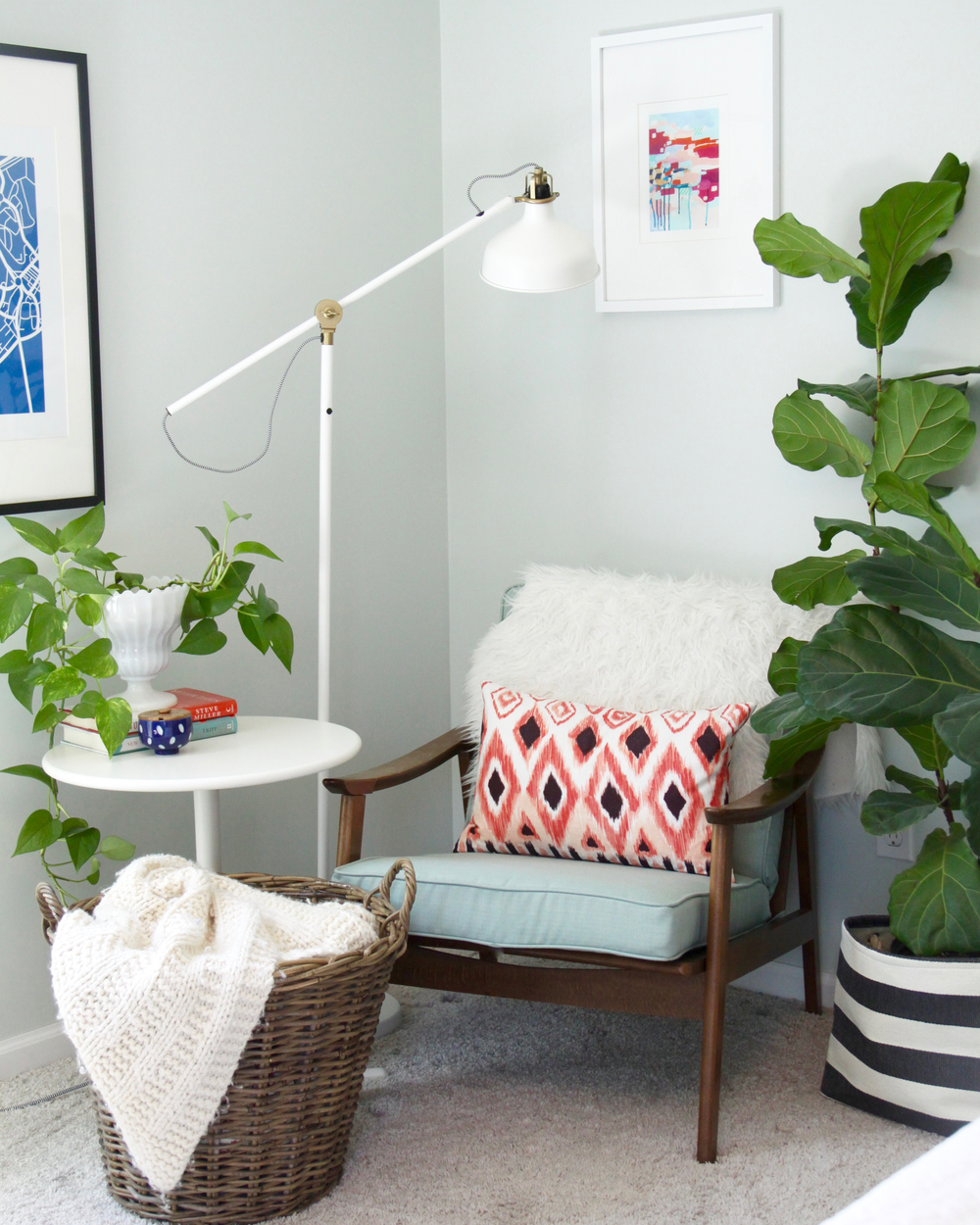 Midcentury Chair in Bedroom Corner with Fiddle Leaf Fig