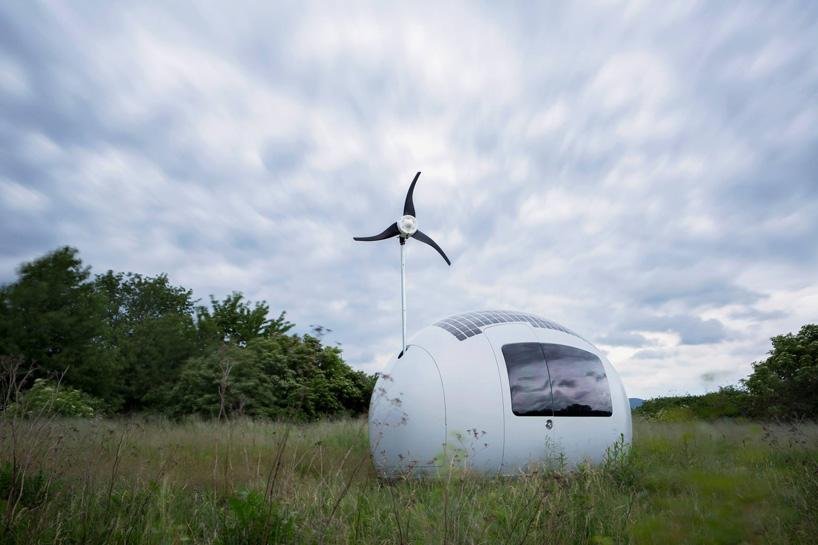 nice-architects-ecocapsule-low-energy-off-grid-house-designboom-08.jpg