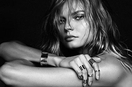 magdalena-frackowiak-jewelry-5-15-01.jpg