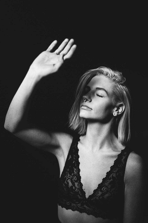 porttaits_jenessa_black_magik_woman_1.jpg