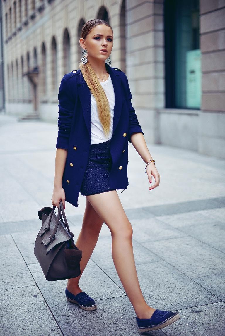 4.-mini-skirt-with-sailor-blazer-and-espadrilles.jpg