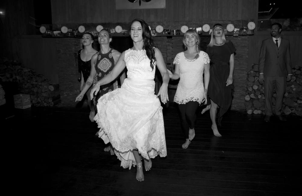 Astra Bride Megan//Photogaphy by Franklin Photography//www.borrowedandblue.kiwi