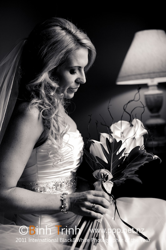 Featured Bride Holly | Photography by Bihn Trin | www.borrowedandblue.kiwi