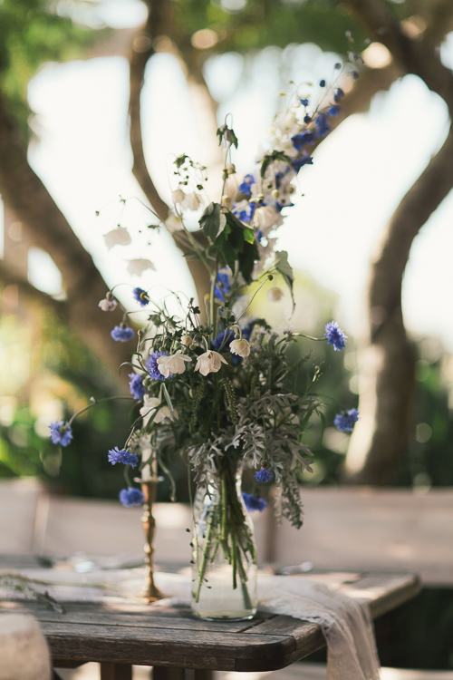Wedding flowers | Eco friendly wedding | Astra Bridal Featured Bride Wendy | Photography by Oli Sansom | www.borrowedandblue.kiwi