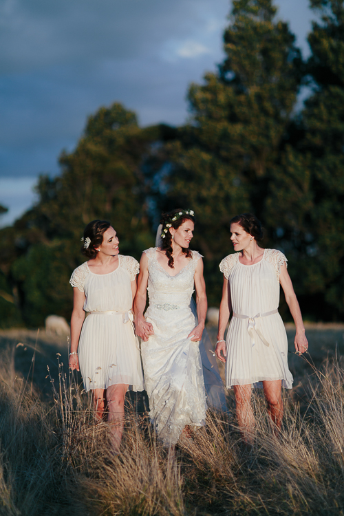 Beautiful bridesmaids | Eco friendly wedding | Astra Bridal Featured Bride Wendy | Photography by Oli Sansom | www.borrowedandblue.kiwi