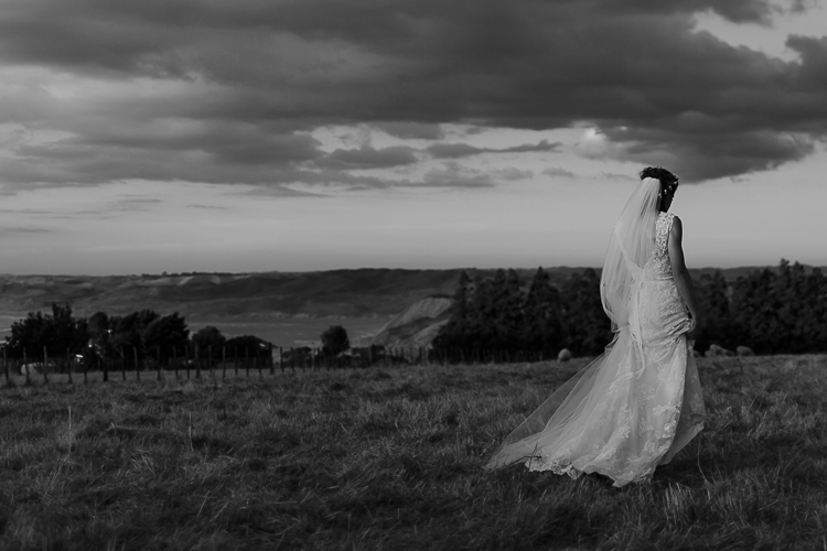 Astra Bridal Featured Bride Wendy | Photography by Oli Sansom | Eco-friendly wedding | www.borrowedandblue.kiwi