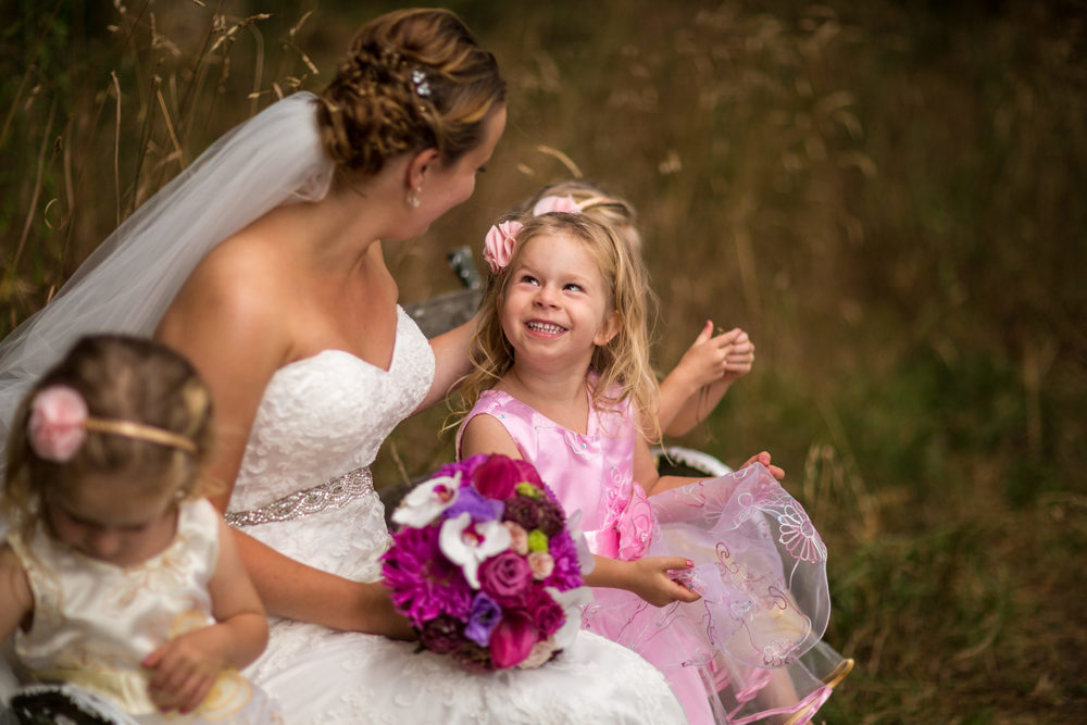 Flowergirl dresses | Featured Bride Shay | Photography | Photography by The Official Photographers |www.borrowedandblue.kiwi