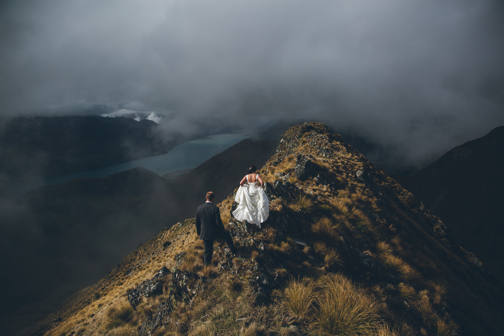 Mountain wedding Photography | Lake Hawea wedding Wanaka | Astra Bridal bride Tania | Photography by Jim Pollard goes Click | www.borrowedandblue.kiwi