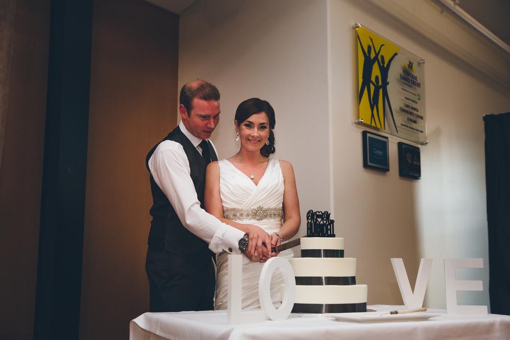 Wedding cake | Lake Hawea wedding Wanaka | Astra Bridal bride Tania | Photography by Jim Pollard goes Click | www.borrowedandblue.kiwi
