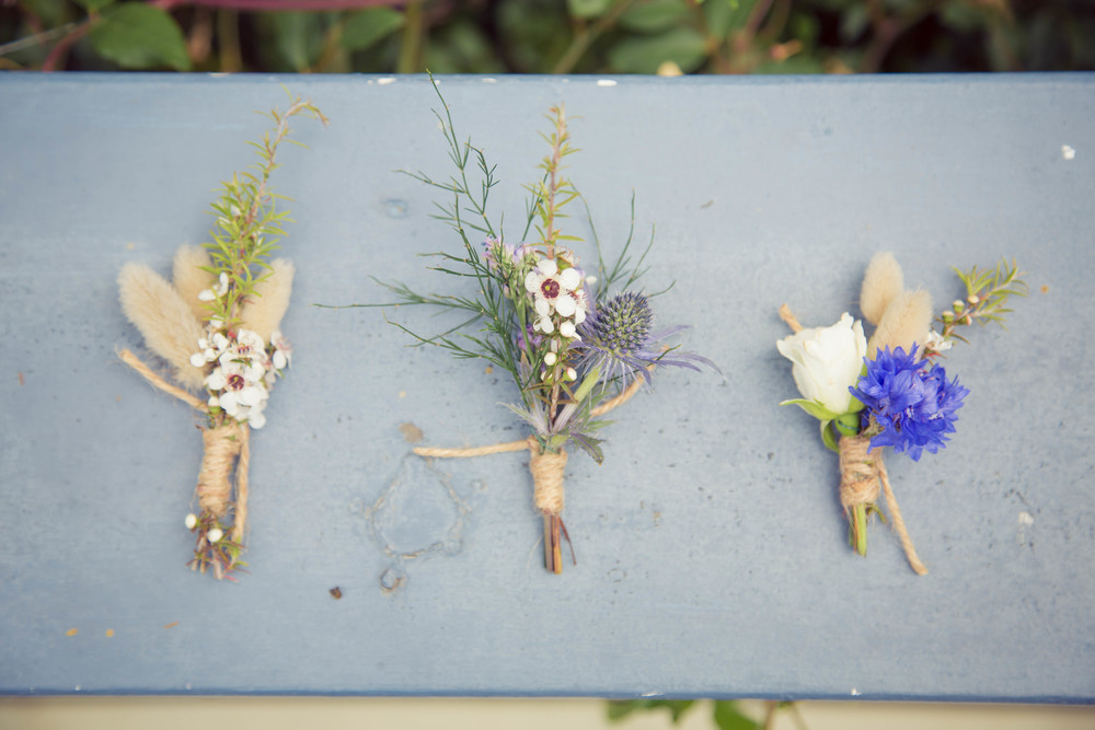 Floral arrangements | Beach wedding inspiration | Photography by Tranquility Photography | www.borrowedandblue.kiwi
