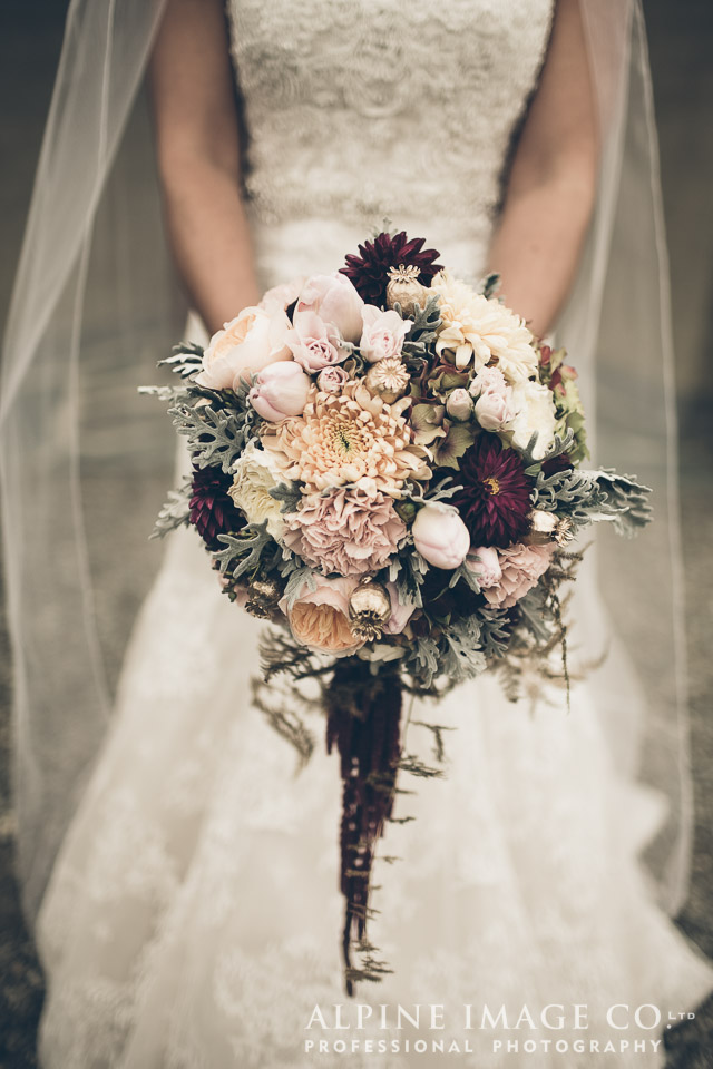Wedding bouquet | Wanaka Wedding Shoot | Photography by Alpine Image Co | www.borrowedandblue.kiwi