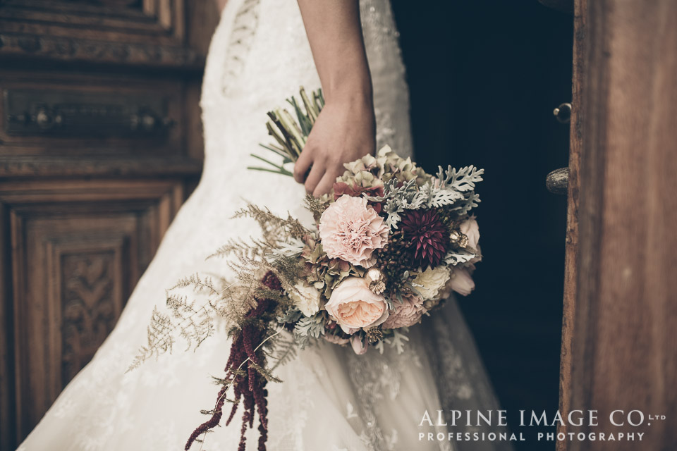Wanaka Wedding Shoot | Photography by Alpine Image Co | www.borrowedandblue.kiwi