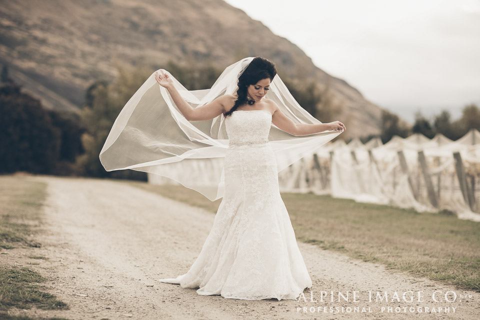 Wanaka Wedding Shoot | Photography by Alpine Image Co | www.borrowedandblue.kiwi