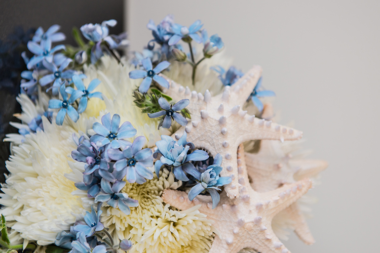 Flowers by Divine Flowers | Astra Bridal Danielle | Photography Amanda Wignell | #Astrabride |