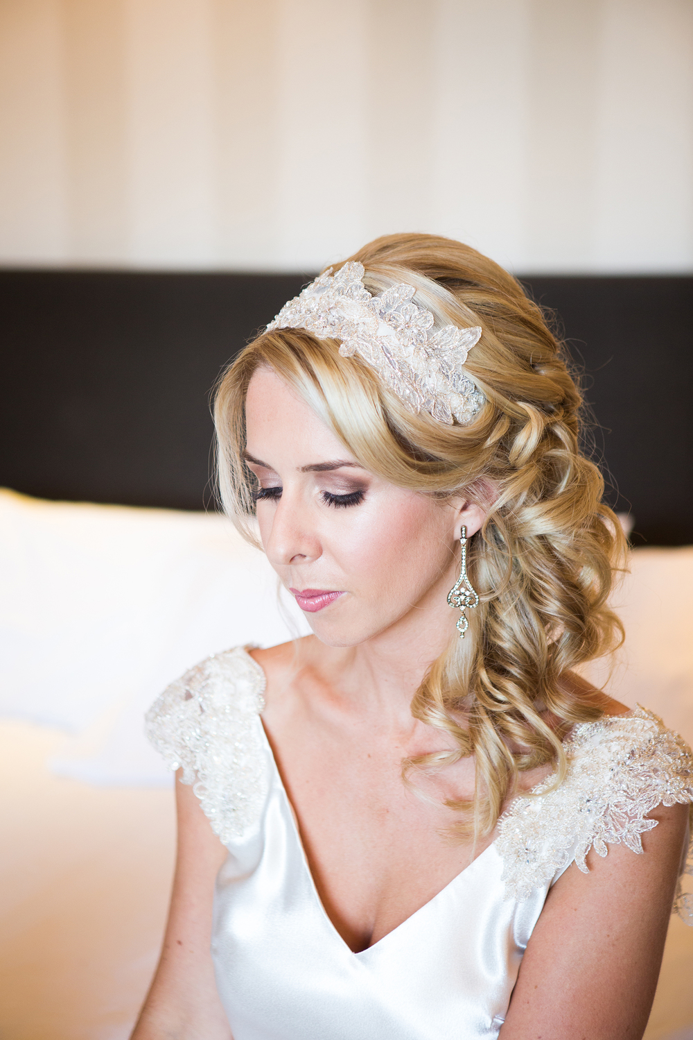 Vintage wedding hairpiece Dress from Astra Bridal | Photography Kirsty and Grant Photography | www.borrowedandblue.kiwi
