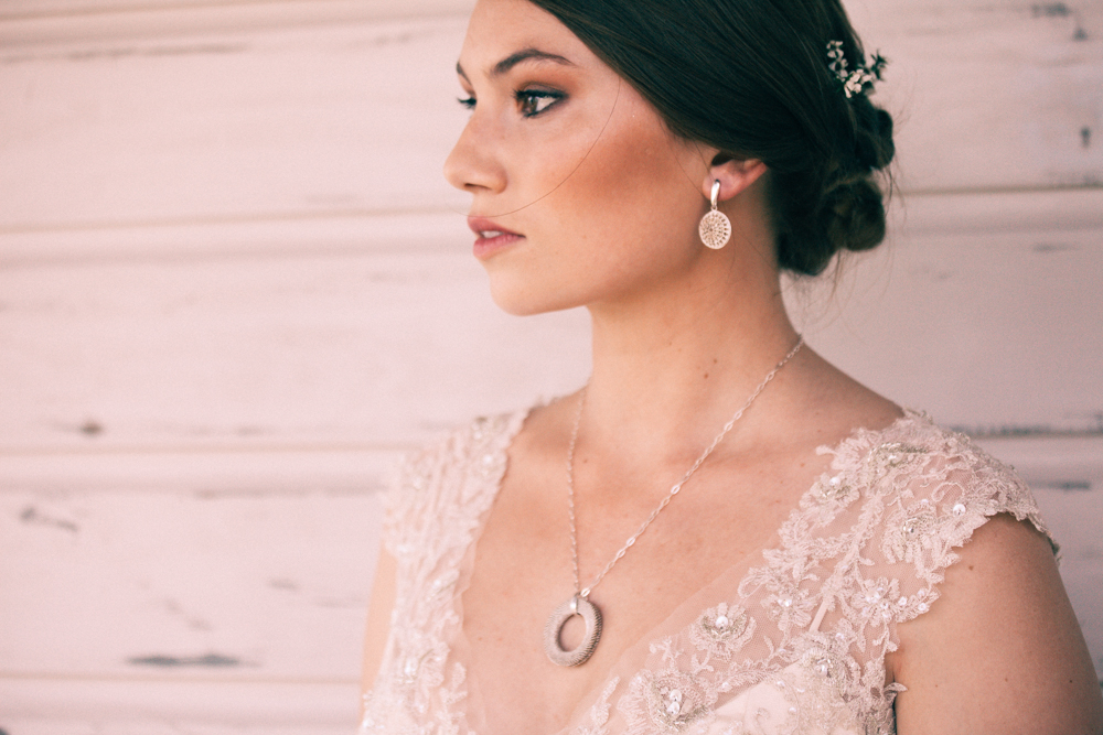 Timmy Smith Jewellery | Elegant wedding inspiration | Photograhy by Alice Doig | www.borrowedandblue.kiwi