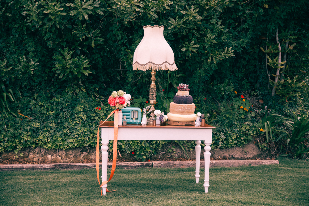 Vintage wedding styling | Elegant wedding inspiration | Photograhy by Alice Doig | www.borrowedandblue.kiwi