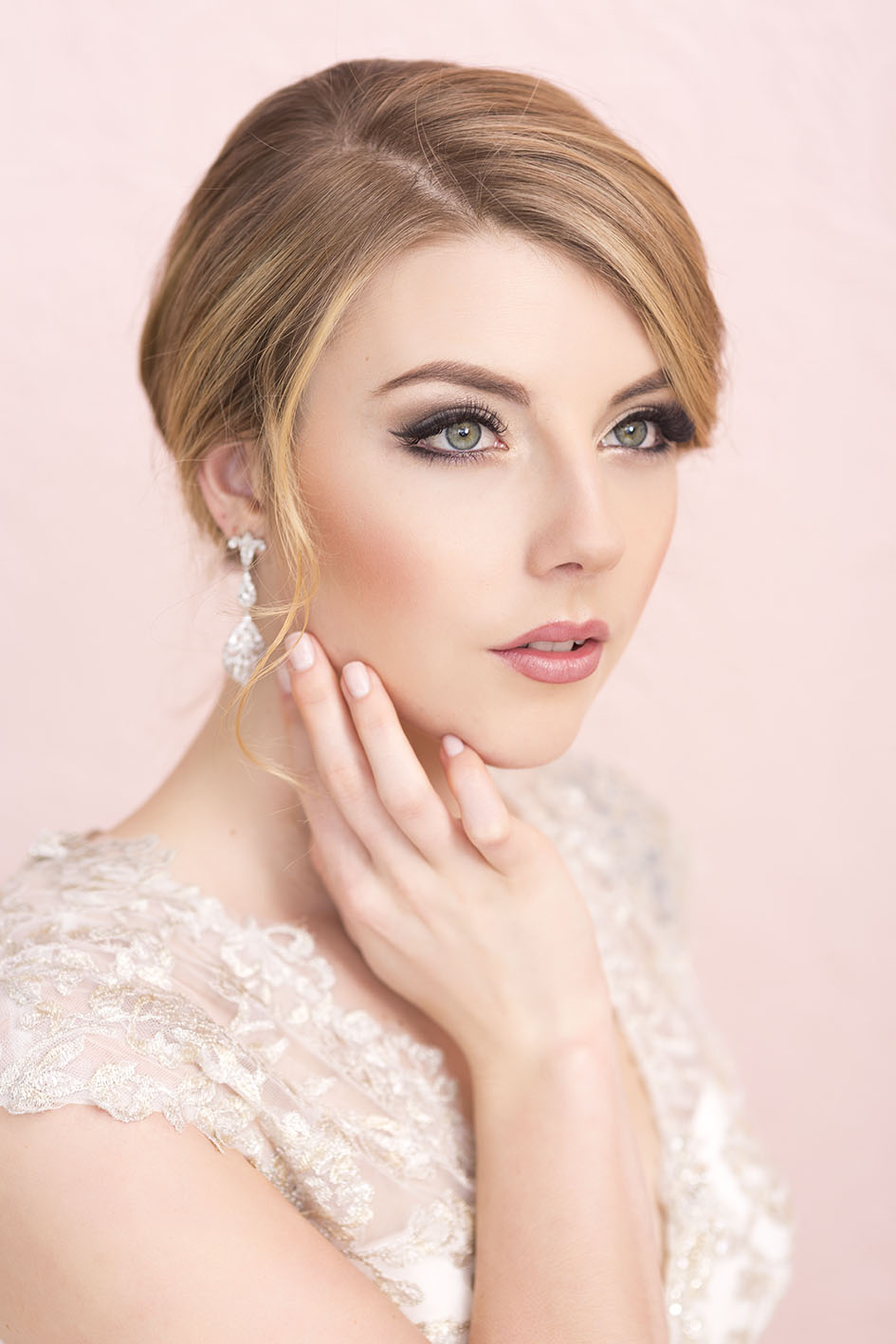 Wedding hair and Make-up inspiration | Jewellery from Astra Bridal | Hair and Make-up by Cerise Lash and Make-up | www.borrowedandblue.kiwi