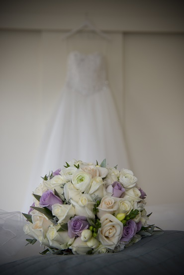 Spring wedding bouquet | Astra Bride Sarah | Gown by Astra Bridal | photography by Amanda Wignell | www.borrowedandblue.kiwi