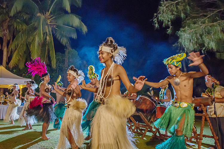 Rarotongan wedding dancers | Astra Bride Lauren | Noir Wedding photography