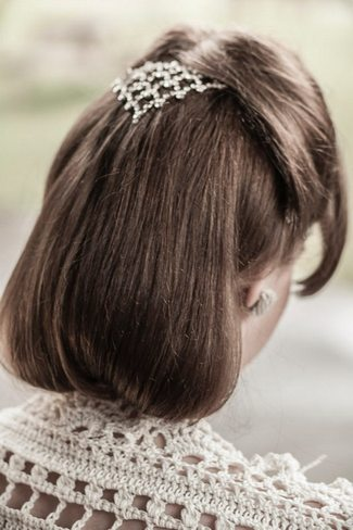 This sheek simple hair style will bring the forties vibe out.  Photo from www.confettidaydreams.com | Photographer: Charlene Morton |