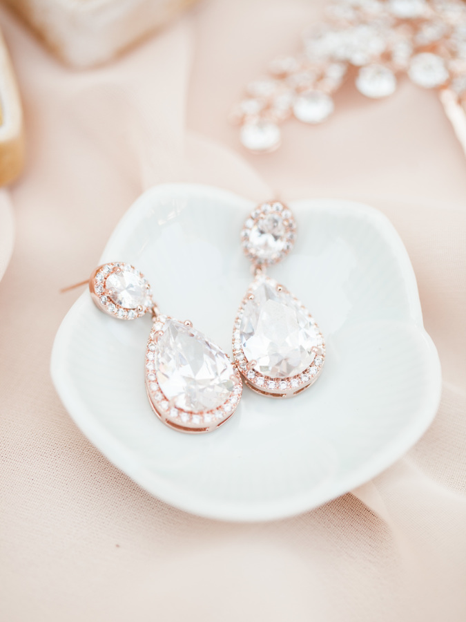 Beautiful jewellery | Maggie Sottero styled shoot | Rose gold wedding shoot | brought to you by www.borrowedandblue.kiwi