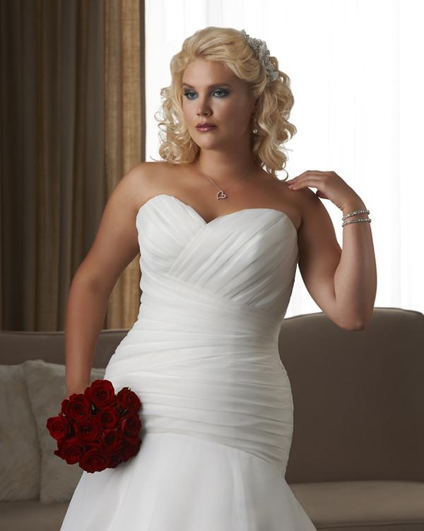 ff5f09aedce3e Plus sized brides — Borrowed   Blue - NZ Wedding Inspiration