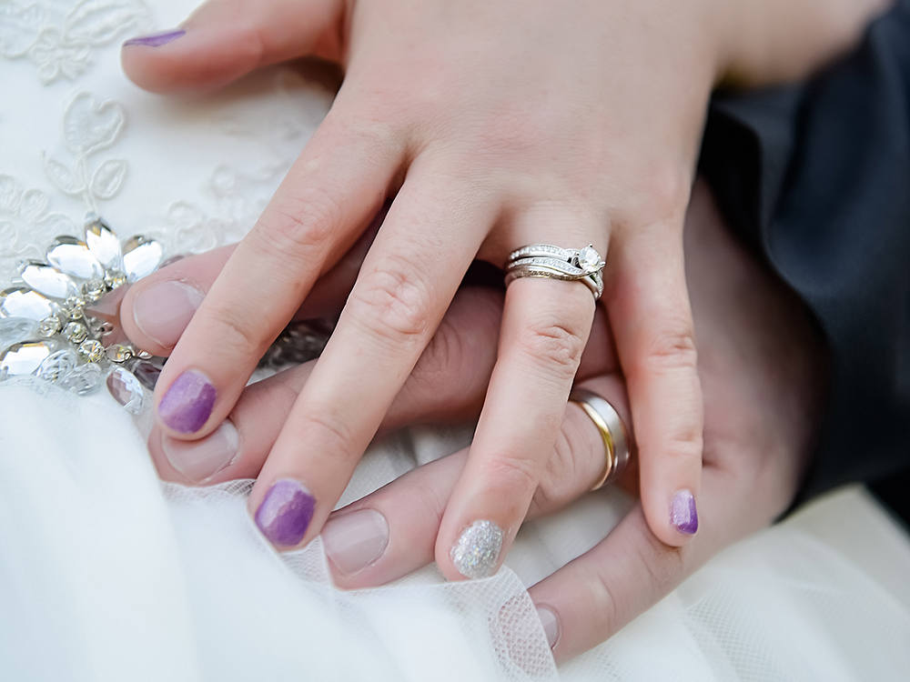 Gorgeous nails | Astra Bride Renee | Country Club wedding | Markovina Estate | Photography by Dreamlife