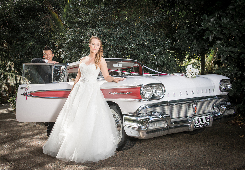 Vintage ride | Astra bride Johanna | Settlers Country Lodge | Photographer Phil Yeo |