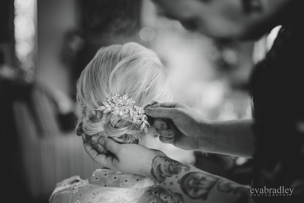 Stunning hair comb | Astra Bride Nicole | The Old Church Napier | Photography by Eva Bradley |