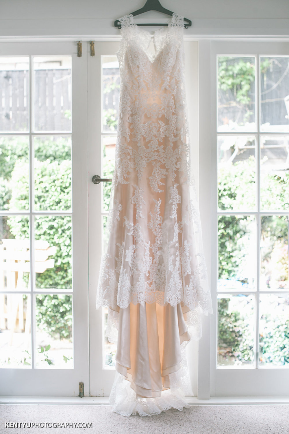 Waiting for the bride | Astra Bride Karla | Maggie Sottero Melanie | Kent Yu Photography |