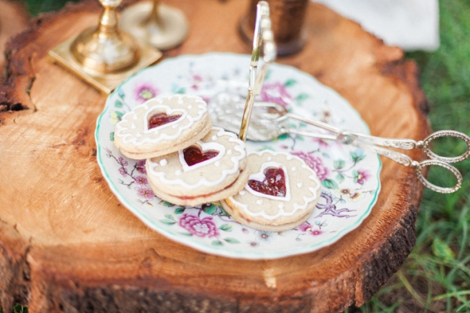 Vintage tea party | Maggie Sottero Photo shoot | Bohemian inspiration | www.astrabridal.co.nz