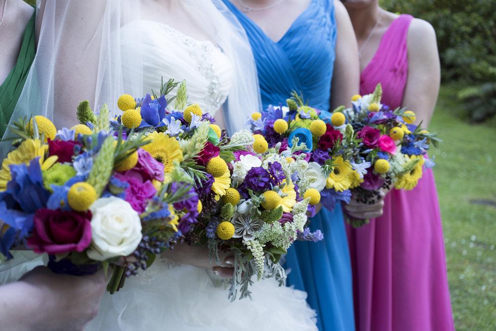 Bright Bouquets | Astra Bride Jo | Bonny 229 | Taranaki wedding | Photography by Mark Bellringer |
