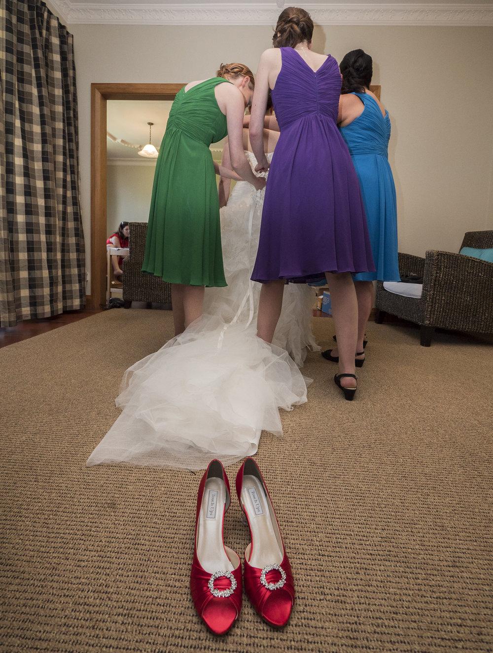 Getting ready | Astra Bride Jo | Bonny 229 | Taranaki wedding | Photography by Mark Bellringer |