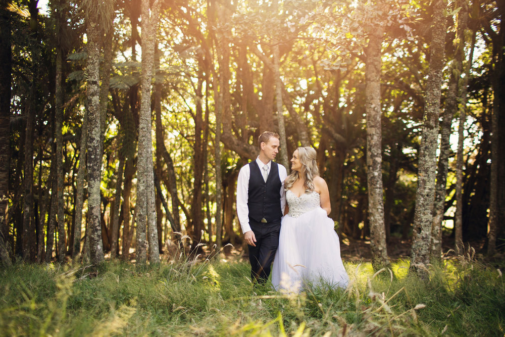 Acscension Wine Estate provide losts of gorgeous photo opportunities for this gorgeous couple.