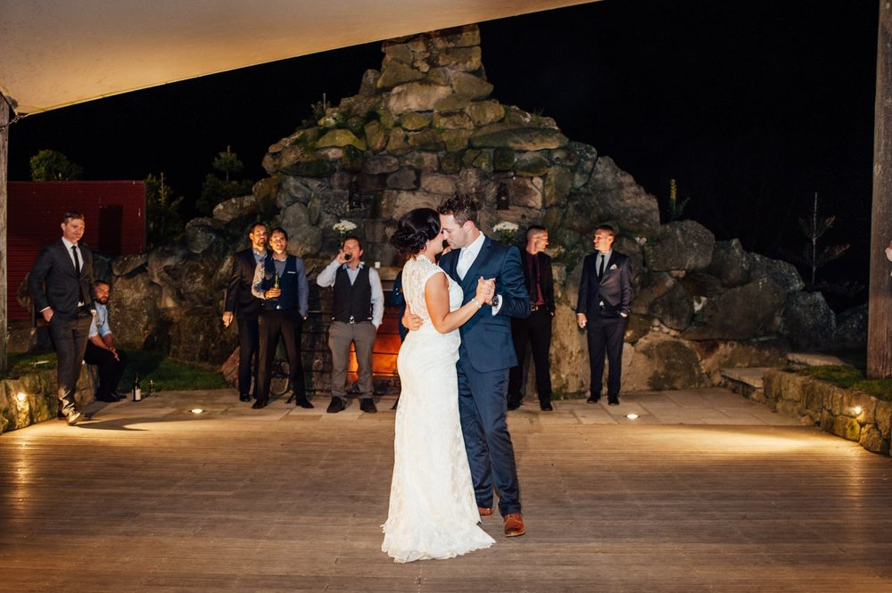 Astra Bride Jessica | Maggie Sottero Londyn | Red Barn Waikato | Photography by Tiffany Curtis | First dance |