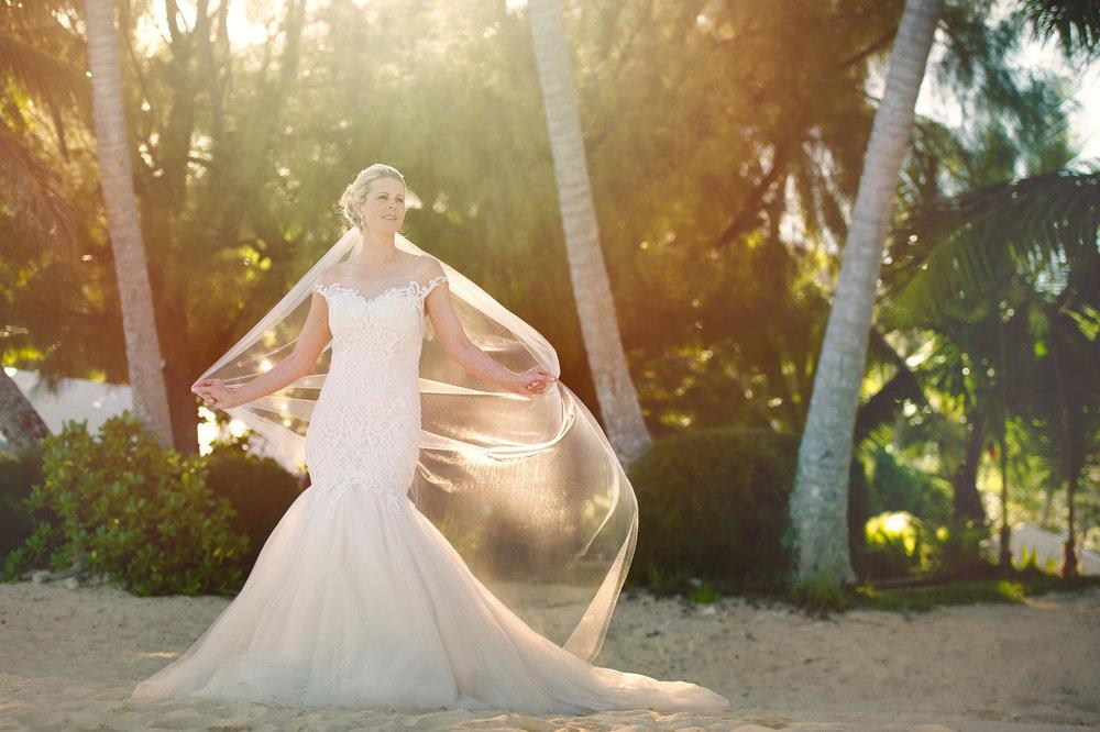 Astra Bride Justine | Maggie Sottero Cassandra | Pacific Resort Rarotonga | Noir Photography |
