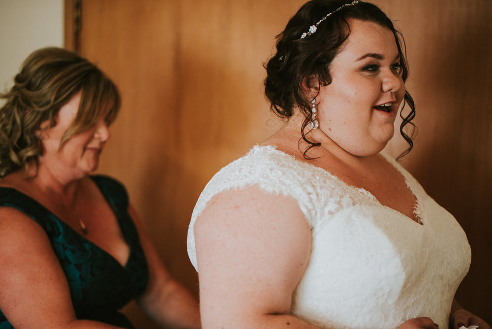 Bride getting ready | Astra bride Joanne | Bonny 1500 | Cassels venue | Chris Turner Photography