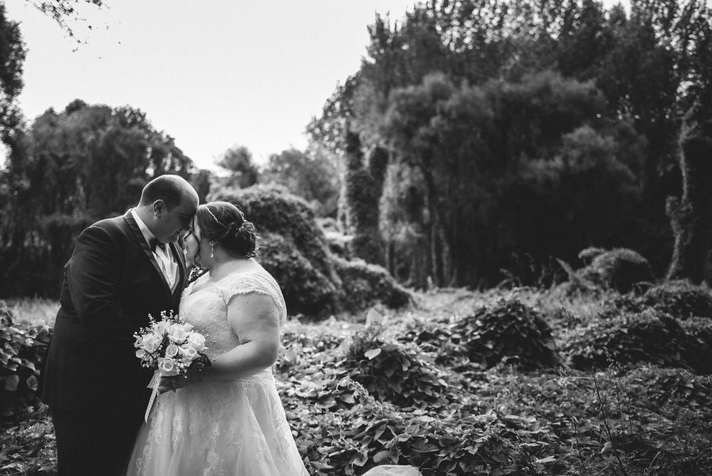Couples moment | Astra bride Joanne | Bonny 1500 | Cassels venue | Chris Turner Photography