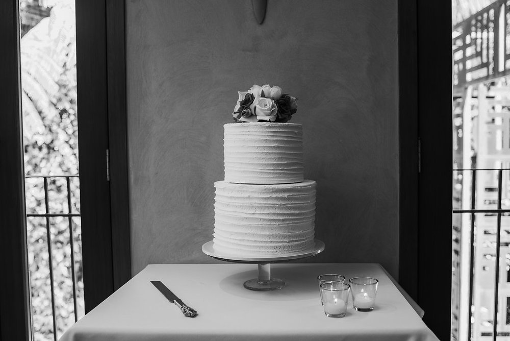 Cake | Astra bride Joanne | Bonny 1500 | Cassels venue | Chris Turner Photography