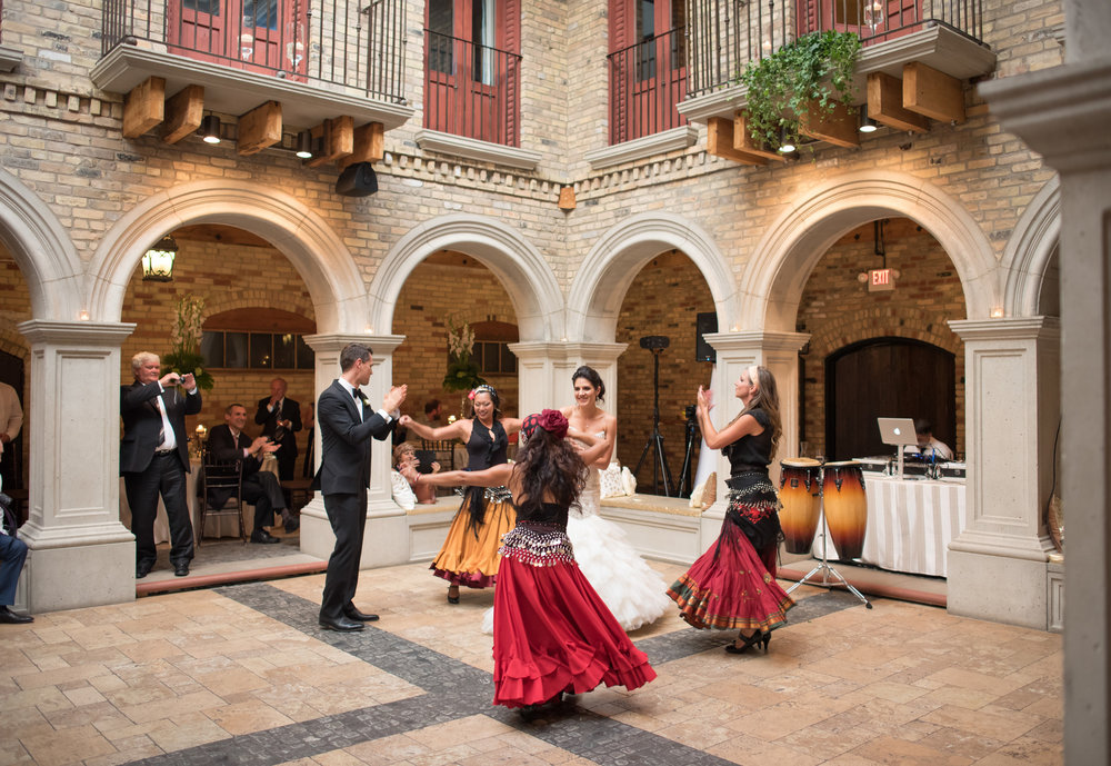 Spanish dancers | Astra Bride Milena's Modern Spanish Wedding | gown from Astra Bridal | www.borrowedandblue.kiwi