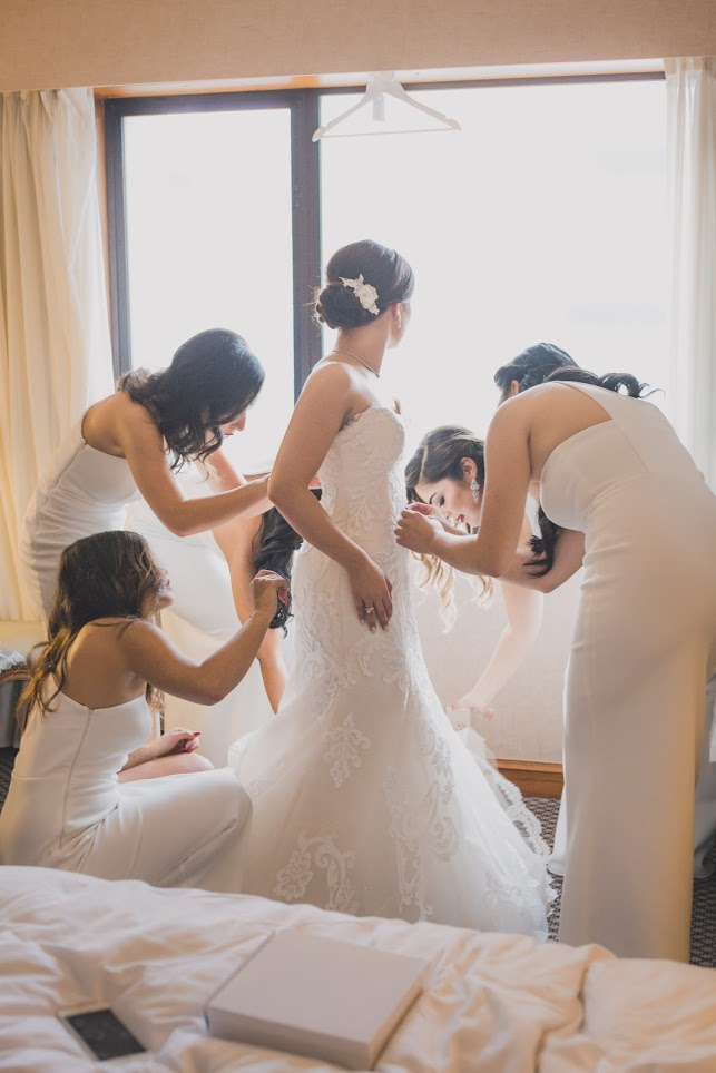 Dressing | Astra bride Basma | Sottero & Midgley Lovai | Langham Hotel | Levien & Lens Photography |